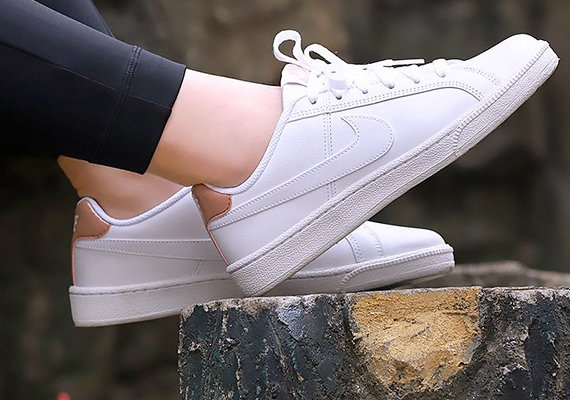 Nike - Wmns Court Royale - 749867-116